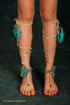 Coachella Inspired Barefoot Sandals Tribal Crochet Foot Jewelry Hippie Festival Wear Yoga Boho Anklet Feather jewelry Turquoise beads TEAL Why? Hippie Festival, Festival Wear, Boho Gypsy, Hippie Boho, Estilo Hippie, Feather Jewelry, Feather Headband, Bare Foot Sandals, Rave Outfits