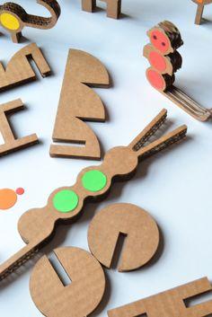 #JUNGLA #CARTON #JUEGOS #INFANTIL - Kit para mecenas de JUNGLING by MILIMBO - Juanjo Oller. Hemos creado nuestra propia Jungla de cartón. Una tropa de fieros animales que buscan compañeros de juego. Animales geométricos, casi matemáticos pero sobretodo éticos y muy naturales. Puedes jugar montando tu propia selva, con este kit de animales, árboles, plantas y una selvática cabaña.   CONSÍGUELO: www.etsy.com/listing/106737707/kit-jungling  CAMPAÑA verkami: www.verkami.com/projects/1592