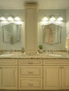 Quoizel Lighting Mirror Kraftmaid Cabinet In Biscotti With A Cocoa Glaze Netuno Bordeaux