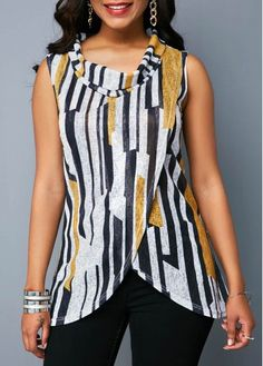 Cheap womens trendy tops Tops online for sale Trendy Tops For Women, Blouses For Women, Petite Clothing Online, Look Fashion, Fashion Outfits, Mode Hijab, Petite Outfits, Indian Wear, Blouse Designs