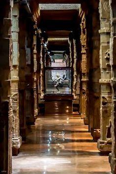 Meenakshi Temple, Madurai, Tamil Nadu, India Ramanathaswamy Temple, Temple India, Indian Temple, Hindu Temple, India Architecture, Historical Architecture, Ancient Architecture, Beautiful Buildings, Beautiful Places