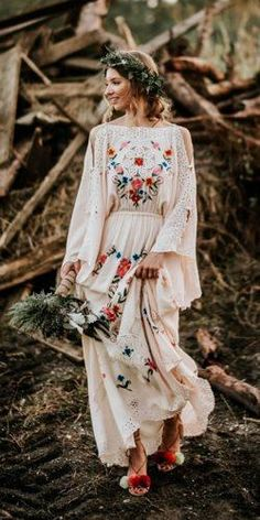 36 Floral Wedding Dresses That Are Incredibly Pretty ❤ floral wedding dresses a line with long sleeves boho country lennon photography Source by weddingforward dress long Lace Bridal, Boho Wedding Dress, Wedding Bride, Floral Wedding, Wedding Dresses, Maxi Dresses, Floral Dresses, Boho Floral Dress, Wedding Outfits