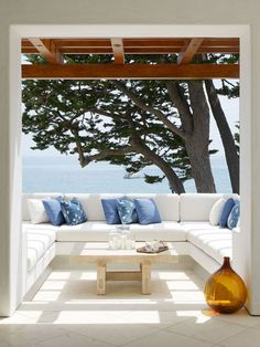 In the Mediterranean regions patios, porches, roof terraces and other outdoor areas are the favorite area of the house for breakfast or dinners, family Indoor Outdoor Living, Outdoor Rooms, Outdoor Sofa, Outdoor Decor, Outdoor Seating, Outdoor Retreat, Outdoor Furniture, Outdoor Areas, Exterior Design