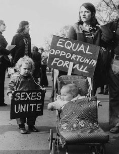 International Women's Day feminist demonstration in Trafalgar Square in 1973 Feminism Photography, Self Happiness Quotes, Team Building Quotes, Protest Signs, Feminist Art, Ladies Day, Women Empowerment, Equality, Strong Women