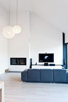 Minimal decor open floor concept