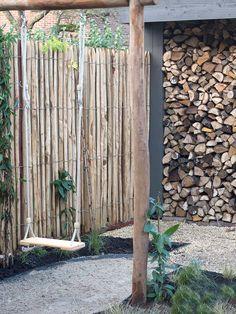 We made this playful and natural garden design for a city garden in Haarlem . Dream Garden, Home And Garden, Urban Garden Design, Backyard Water Feature, Bamboo Fence, Mediterranean Garden, Natural Garden, Exterior, Fence Design