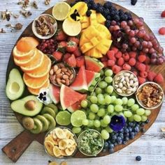 New Ideas For Breakfast Fruit Platter Brunch Ideas Baked Chicken Nuggets, Chicken Nugget Recipes, Easy Baked Chicken, Healthy Dessert Recipes, Health Desserts, Healthy Snacks, Fruit Snacks, Fruit Food, Eating Healthy