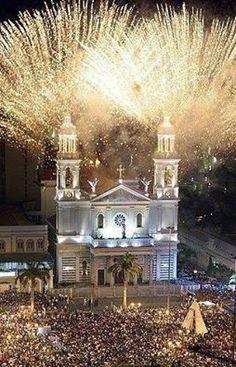 Basílica de Nazaré, no último dia do Círio - Belém do Pará, Brasil.