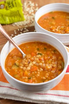 Mar 2020 - Slimming Eats Syn Free Vegetable and Pearl Barley Soup - dairy free, vegetarian, Instant Pot, Slimming World and Weight Watchers friendly Slimming World Soup Recipes, World Recipes, Healthy Eating Recipes, Vegetarian Recipes, Veg Soup Recipes, Barley Recipes, Healthy Soups, Bariatric Recipes, Spinach Recipes