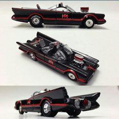 Hot Wheels Custom 1966 Batmobile - 1:64 Scale