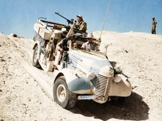 """uss-edsall:""""New Zealand members of the Long Range Desert Group in the North African desert. Photo/Alamy/Coloured by Harry Burgess"""" Jeep Willis, Afrika Corps, Nz History, North African Campaign, Vintage Jeep, Ride 2, Soviet Army, Ww2 Photos, Model Tanks"""