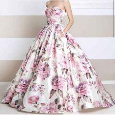 #jovaniitgirl #ballgown #flowers #formal #prom #eveninggown #eveningdress #lace #fashion #style #class  (at www.jovani.com)
