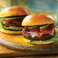 A bacon Swiss burger embellished with ripe tomato and avocado: delectable! In this burger, I've spiced up the meat with thyme and Worcestershire sauce, which hint at the. Hamburger Recipes, Beef Recipes, Cooking Recipes, Beef Meals, Easy Recipes, Dinner Recipes, Perfect Burger, American Hamburger, American Cheese