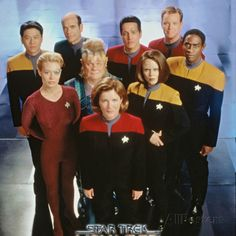 Star Trek: Voyager Cast Photo at AllPosters.com
