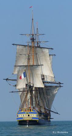 "La frégate ""L'Hermione"" par petit vent arrière – sailboat Hermione, Old Sailing Ships, Sailboat Art, Sailboats, Whitewater Kayaking, Wooden Ship, Canoe Trip, Architecture Tattoo, Tall Ships"