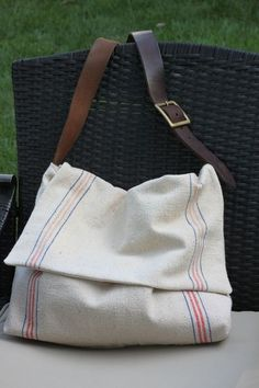 645 workshop by the crafty cpa: return on creativity: feed sack messenger bag