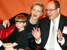 MYROYALS &HOLLYWOOD FASHİON: Prince Albert and Princess Charlene made the royal family's annual Christmas visit to the Red Cross day care center, Monaco, December 17, 2013