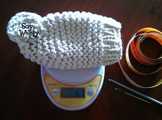 Cómo tejer un gorro de bebé fácil con dos agujas/palitos | Soy Woolly Knitted Hats, Crochet Hats, Beanie, Knitting, Fashion, Tricot, Beanie Babies, Cowl, Crochet Baby Shoes