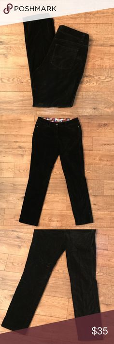 "Boden Black Velvet Pants Black velvet pants in a size 6R. 29"" inseam and 8"" Rise. Great quality, timeless piece. Boden Pants Straight Leg"