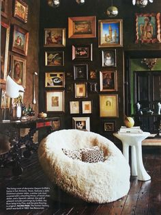Love the brown walls
