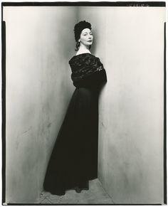 Valentina Nicholaevna Sanina Schlee, Fashion Designer, 1947  Corner portrait  Photo Irving Penn