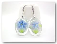 Resin earring Handmade Jewelry with  Flowers  by Annysworkshop, $18.00