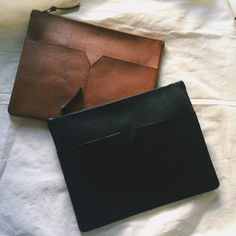 Items similar to Men's Clutch on Etsy Leather Laptop Case, Leather Pouch, Leather Purses, Leather Men, Leather Handbags, Leather Folder, Man Clutch, Wallets For Women Leather, Leather Projects