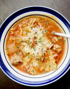 Weight Watchers Lasagna Soup – I use Muir Glen 25oz or > pasta sauce and ground turkey 99%FF, Do not mix cheese in whole pot but rather as garnish on indiv. servings.  Recipe can really stand 2ce as much pasta sauce.  -RR