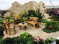 Garden Seating | Barley Sandstone Patio | Golden Fossil Walling | Country Garden Design | Landscaping