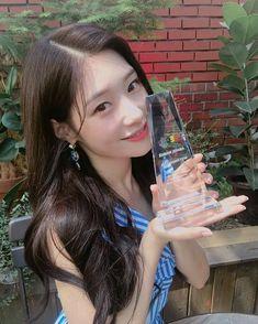 K Beauty, Asian Beauty, Real Life Princesses, Jung Chaeyeon, Kim Sejeong, Korean Girl Groups, Voss Bottle, Instagram, Bias Wrecker
