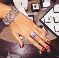How to Buy Diamonds Online without Making Costly Mistakes  Read more: http://www.fashion.maga-zine.com/21108/how-to-buy-diamonds-online/#ixzz3VzWMObLf  Follow us: @StyleDigger on Twitter | americanfashiontv on Facebook