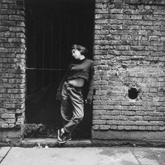 Lincoln Clarkes a photographié les femmes toxicomanes de Vancouver - VICE Vancouver, Ho Chi Minh Trail, Larry Clark, Gordon Parks, Toronto Photographers, Heroine Photos, Back Doors, Women Life, Vintage Photographs