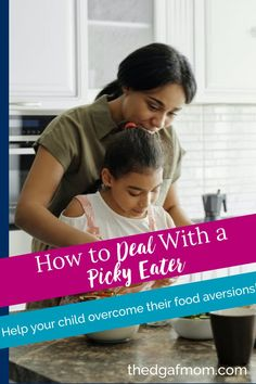 End the food fights with these tips to  deal with a picky eater child. Picky eaters can be so frustrating, but there's a better way to enjoy your meals as a family and stop the food fights. Picky eater, fussy eater. New Recipes, Healthy Recipes, Picky Eaters Kids, Healthy Toddler Meals, Fussy Eaters, Nutrition, Mom, Children, Tips