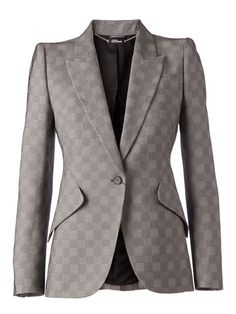 Shop Alexander McQueen prince of wales blazer in L'Eclaireur from the world's best independent boutiques at farfetch.com. Over 1000 designers from 300 boutiques in one website.