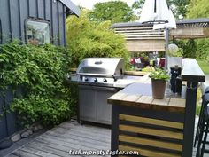 """Get great pointers on """"Outdoor Kitchen Appliances"""". They are actually on call fo… Get great pointers on """"Outdoor Kitchen Appliances"""". They are actually on call for you on our site. Modular Outdoor Kitchens, Build Outdoor Kitchen, Outdoor Kitchen Countertops, Outdoor Kitchen Design, Outdoor Cooking, Outdoor Spaces, Outdoor Decor, Small Front Yard Landscaping, Built In Grill"""