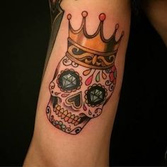 155 Sugar Skull Tattoo Designs with Meaning - Wild Tattoo Art Skull Candy Tattoo, Candy Skulls, Sugar Skull Tattoos, Hand Tattoos, Sleeve Tattoos, Crown Tattoos, Mayan Tattoos, Sugar Skulls, Tattoo Designs Wrist
