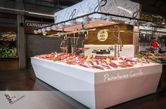 """Diseño de pescadería """"Peixateries Carrillo""""- Diseño comercial - Interiorismo comercial - Store design - negozi di design - mercato del pesce - fish market - marché aux poissons - Pescaderia"""