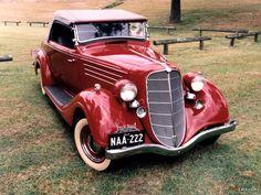 1932 Hudson Terraplane Deluxe Roadster   ===>  https://de.pinterest.com/michidermot/hudson/