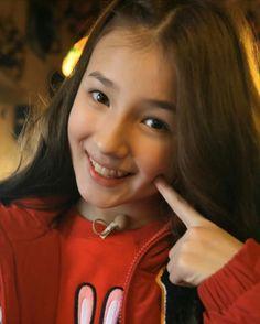 Nancy😍 Korean Beauty Girls, Korean Girl, Asian Girl, Nancy Jewel Mcdonie, Nancy Momoland, Close Up, Kathryn Bernardo, Great Smiles, Photos Tumblr