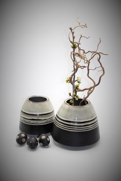 Vase, Home Decor, Decorating Ideas, Easter Activities, Handarbeit, Decoration Home, Room Decor, Vases, Home Interior Design