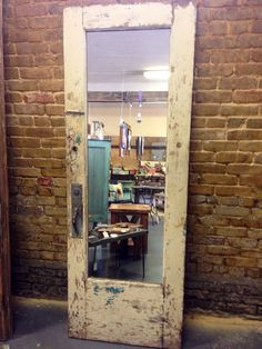 Old Door Mirror. Instead of a traditional floor length mirror in your bedroom, add some charm with an old door mirror! It's so beautiful! Old Doors, Windows And Doors, Salon Mirrors, Do It Yourself Furniture, Home Salon, Mirror Door, Mirror Glass, Salon Design, Repurposed Furniture