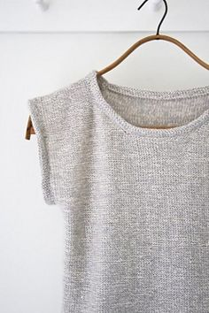 DIY Knitted Top - FREE Knitting Pattern / Tutorial Best Picture For knitting patterns free blanket F Summer Knitting, Easy Knitting, Knitting Patterns Free, Crochet Summer, Crochet Patterns, Knitting Sweaters, Craft Patterns, Diy Tricot Crochet, Crochet Top