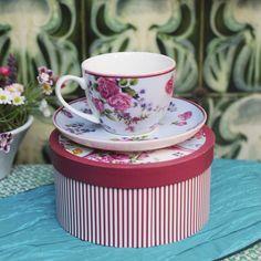 Vintage Rose Espresso Set  €12.95 Vintage Roses, Espresso, Orchids, Tableware, Garden, Flowers, How To Make, Chic, Kitchens