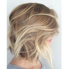 Летнее настроение не смотря, ни на что! Запись на окрашивание по whatsapp ✨ отвечу на все ваши вопросы #солнцевволосах #balayage #окрашивание #омбрэ #шатуш #babyhighlight #hair #matrix #блонд #блики