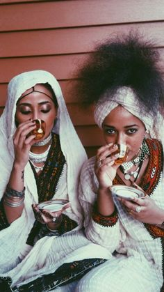 Ethiopian/Eritrean culture and style African Life, African Culture, African History, African Women, African Art, African Tribes, African Diaspora, Afro, African Beauty