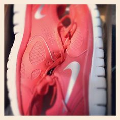 Pink nike free runners ! Workout shoes ! Need ♥       Deals on #Nikes. Click for more great Nike Sneakers for Cheap