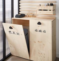 DIY: Create a laundry cabinet for the bathroom Diy Bathroom Furniture, Diy Furniture, Diy Etagere, Closet Ikea, Laundry Closet, Laundry Room, Laundry Cabinets, Diy Organisation, Modular Furniture