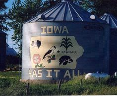 Iowa Silo  Location:  West of Cedar Rapids on US 30 at 29th Ave,  Benton Co - IA