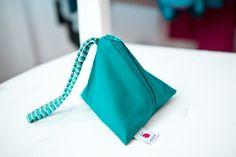 www.diebuntique.at Drawstring Backpack, Backpacks, Bags, Fashion, Taschen, Handbags, Moda, Fashion Styles, Drawstring Backpack Tutorial