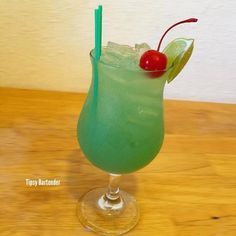 Tequila Mockingbird Cocktail - For more delicious recipes and drinks, visit us here: www.tipsybartender.com